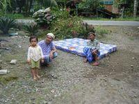 Im Dorf Lurah Ampala sind fast alle Häuser zerstört. Bild: obs/Caritas international