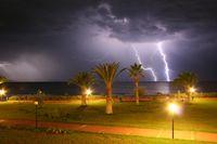 Gewitter und Palmen Türkei