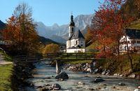 Landschaft in den Bayerischen Alpen: Ramsau bei Berchtesgaden, im Hintergrund die Reiteralpe