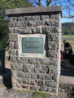 Gedenkdstein zur Erinnerung an das versunkene Dorf Asel