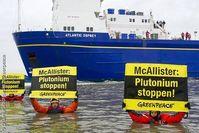 Greenpeace-Aktivisten protestieren gegen den MOX-Transport nach Grohnde. Bild: Bente Stachowske / Greenpeace