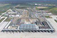 """Geister-Flughafen Berlin Brandenburg """"Willy Brandt"""". Eröffnungstermin: Wenn die Russen es erlauben? (IATA: BER)"""