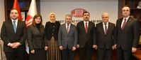 (v.l.) Adrurrahman Atasoy, Dr. Emine Seçmez, Sümeyye Öztürk Mutlu, Ahmet Dilek, Kazım Türkmen, İrfan Saral, Erdinç Altuntaş