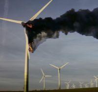 Brennende WKA 19.4.2012, in Neukirchen Bild: EIKE