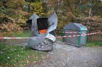 Gesprengter Altglascontainer Bild: Polizei