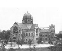 Die Synagoge am Bornplatz aufgenommen von der Beneckestraße