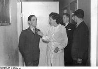 Leni Riefenstahl und Joseph Goebbels bei den Vorarbeiten zum Film