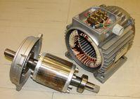 Zerlegter Asynchron-Drehstrommotor mit Kurzschlussläufer und Leistung von 750 Watt