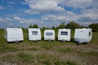 Fünf Wohnwagen im ADAC Vergleich: Weinsberg, Knaus, Eriba, Sterckeman, LMC Bild: ADAC Fotograf: UweRattay
