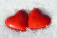Herzen: Gemeinsamkeiten wichtiger als Gegensätze. Bild: pixelio.de, R. Eckstein