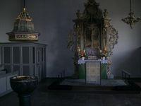 Altar des evangelisch-lutherischen Kirchenbaus in Flensburg-Adelby (Symbolbild)