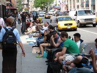 Wartende iPhone-Käufer am 29.Juni 2007 vor einem AT&T-Store in New York City