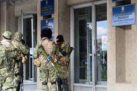 Slowjansk: Die Stadtverwaltung, kontrolliert von vermummtem Militär mit Kalaschnikows und RPG
