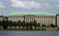 Hapag-Lloyd AG: Firmensitz am Ballindamm in Hamburg