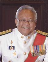 Suthep Thaugsuban in seiner Uniform als Regierungsmitglied (2010)