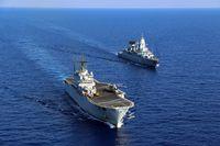 Die Fregatte F 220 Hamburg und ihr Führungsschiff, der italienischen Helikopterträger San Giorgio, fahren hintereinander im Mittelmeer im Rahmen der Mission EUNAFVOR MED Operation Irini, am 25.08.2020 Bild:     Bundeswehr/Austen
