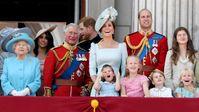 """Die Queen ist skandalfrei. Doch ihre Vorfahren brachten den Thron ins Wanken. Bild: """"obs/ZDF/Doug Peters"""""""