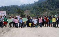 Die Zufahrt des Murum-Damms wird seit dem 26. September von den Penan blockiert. Bild: SCANE/Survival