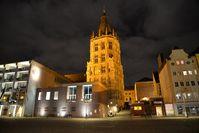 """100 Prozent klimafreundlicher Ökostrom von LichtBlick erleuchtet seit Jahresbeginn das Historische Rathaus der Stadt Köln. Bild: """"obs/LichtBlick SE/Kollawat Somsri"""""""