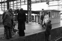 """Dreharbeiten für den Tatort-Krimi """"Kneipenbekanntschaft"""" fürs Fernsehen (1974)"""