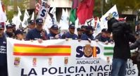 "Screenshot aus dm Youtube Video ""Madrid: 5000 Polizisten demonstrieren - ""Bürger, vergebt uns"""