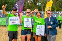 Personen von links: Moderator Harald Greising, Gewinnerin Juliana Kreiensiek, BILLY BOY-Marketingleiterin Birgit Meyer und RID-Rekordrichter Olaf Kuchenbecker.
