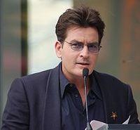 Charlie Sheen, bürgerlich Carlos Irwin Estévez. Bild: Angela George / de.wikipedia.org