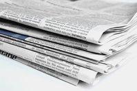 Zeitungen: sind out, News via Handy dagegen in. Bild: pixelio.de/A. Hermsdorf