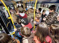 Ein typisch überfüllter Bus