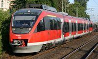 Talent der DB Baureihe 644 vor dem Bonner Hauptbahnhof