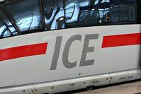 Das aktuelle ICE-Logo in der Schriftart DB Head Bild: Sebastian Terfloth User:Sese_Ingolstadt / de.wikipedia.org