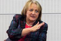 Sabine Leutheusser-Schnarrenberger bei einer Podiumsdiskussion im Bundesministerium der Justiz im August 2013