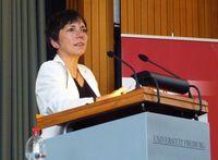 Margot Käßmann bei einem Freiburger Vortrag über die Integration von Muslimen in der deutschen Gesellschaft (2011)