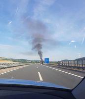 Brennender PKW auf der A 38 Bild: Polizeiinspektion Göttingen (ots)