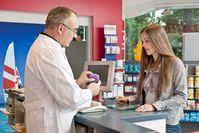 """Jedes dritte Medikament ist allein wegen der Darreichungsform beratungsbedürftig. Bild: """"obs/ABDA Bundesvgg. Dt. Apothekerverbände/ABDA / van Heesen"""""""