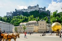 Sehenswürdigkeiten Salzburg, Kapitelplatz mit Blick auf Festung Hohensalzburg Bild: hello Salzburg Fotograf: Bryan Reinhard