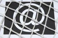 Internetzensur: verärgert immer mehr Nutzer. Bild: pixelio.de, S. Hofschlaeger
