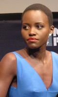 Lupita Nyong'o (2013) Bild: aphrodite-in-nyc from new york city Licensing - wikipedia.org