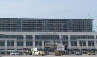 Flughafen Stuttgart: Terminal 1 Außenansicht