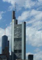 Commerzbank Tower in Frankfurt am Main mit altem Logo