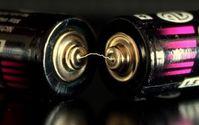 Batterie: neue Textil-Akkus viel leistungsstärker. Bild: pixelio.de/F.H.M.
