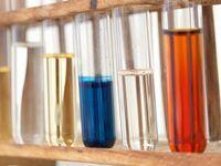 Reagenzgläser: Studienergebnisse werden oft geschönt. Bild: pixelio.de/Hiero