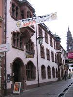 Heinz Meier war 1953 Mitbegründer des Freiburger Wallgraben-Theaters und dessen Co-Leiter von 1957 bis 2003.