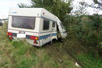 Verunfallter Wohnwagen Bild: Polizei