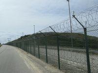 Der Zaun des Kernkraftwerks Flamanville
