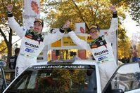 """Beim großen Saisonfinale in Bayern konnte sich das Team über den fünften Erfolg in der Deutschen Rallye-Meisterschaft (DRM) freuen. Bild: """"obs/Skoda Auto Deutschland GmbH"""""""