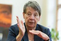 """Dr. Barbara Hendricks (SPD), Bundesministerin für Umwelt, Naturschutz. / Bild: """"obs/Berufsgenossenschaft der Bauwirtschaft/Marc Darchinger"""""""