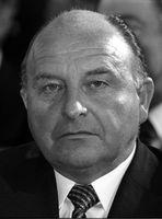 Siegfried Buback, 1976: Angeblich von der RAF ermordet obwohl er fast die selben Überzeugungen wie diese trug.