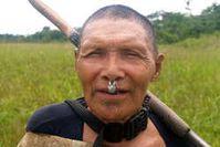 Murunahua Mann. Das Reservat der Murunahua wird von illegalen Holzfällern besetzt. Bild: Chris Fagan/Upper Amazon Conservancy