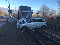 Straßenbahnunfall Bild: Polizei